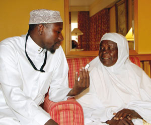 Sarah naik Haji 2010