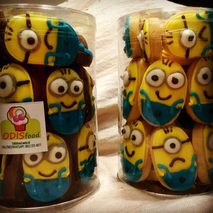 Minion Cookies Cartoon
