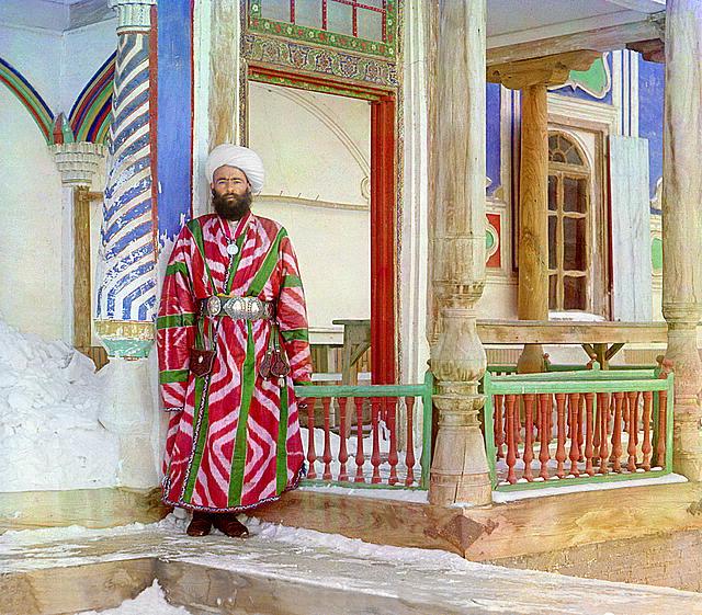 12-A-bureaucrat-in-Bukhara.-Photographed-in-1911-by-Sergei-Mikhailovich-Prokudin-Gorskii.