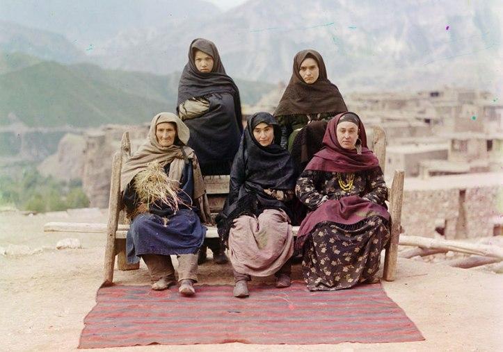 6-A-group-of-women-in-Dagestan-ca.-1910