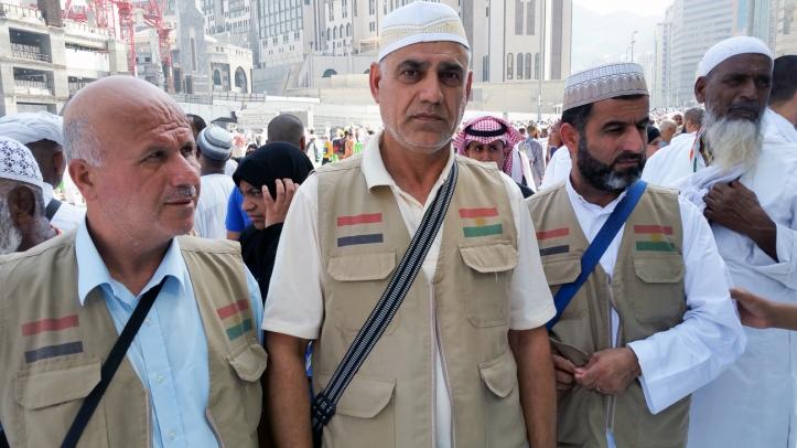 Jamil Jalal 49 tahun, berhaji bersama anggota keluarga. Jamil berasal dari Kurdi di wilayah Irak. Banyak orang Kurdi yang tidak mampu naik haji karena kesulitan ekonomi. Menurut Jamil, kesulitan ekonomi ini disebabkan oleh kebijakan pemerintah pusat.