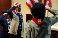 Scouts say the Pledge of Allegiance to the U.S. flag prior to remarks by President Barack Obama at the Islamic Society of Baltimore mosque in Catonsville, Maryland February 3, 2016. REUTERS/Jonathan Ernst